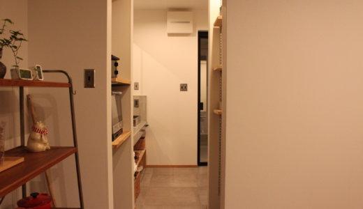 【家づくりでやってよかった事】キッチンから洗面所・浴室にショートカット出来るパントリー【WEB内覧会】