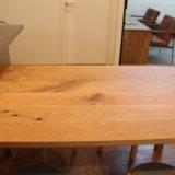 【無印良品】オーク無垢材のダイニングテーブルを半額以下で購入!その理由とは